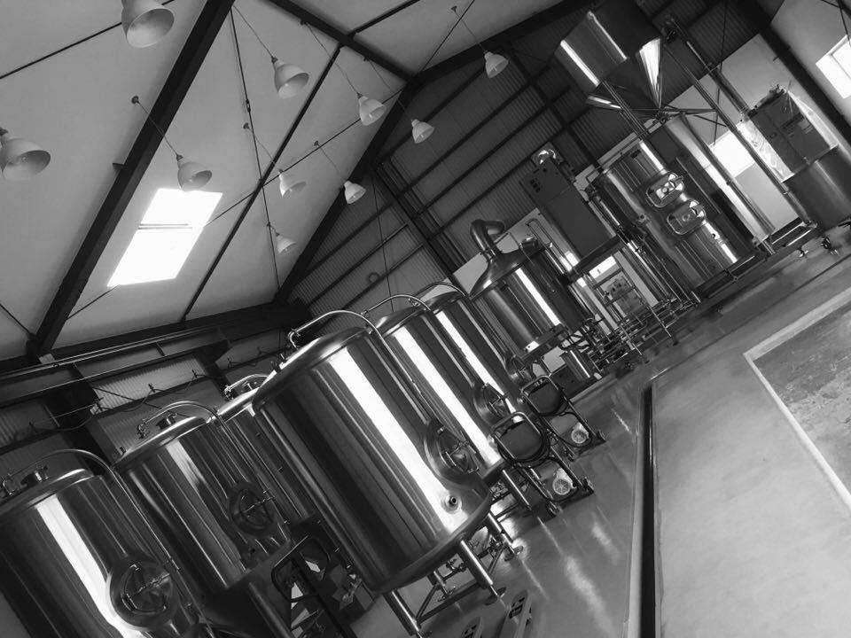 ビール醸造装置一式・・・格納完了!!