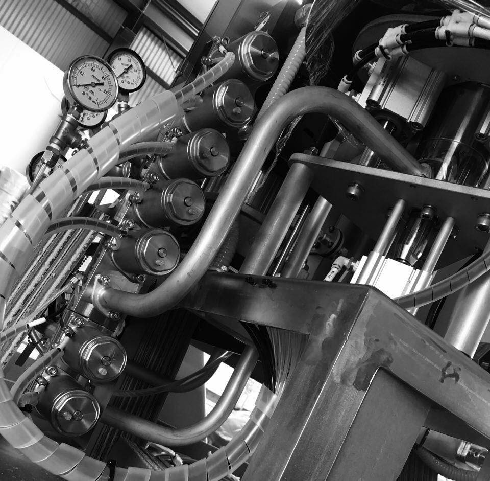 ブルワリーに欠かせない機械たち / CRAFT BEER KEG WASHER